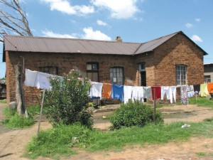 Batho 46 (HOUSE with washing, Msimamg Str. 608 - 2009 Elsa)
